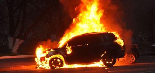 В Ростове за сутки сгорело два автомобиля