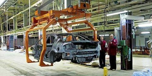 Производство автомобилей в России в августе сократилось почти на 38,3%