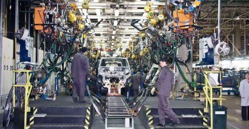 За 8 месяцев объем производства автомобилей в Петербурге упал на 4%