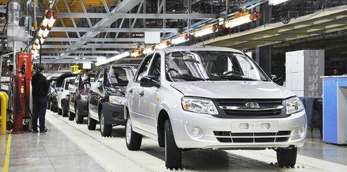 Производство легковых автомобилей в России держится на уровне прошлого года