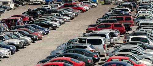 Екатеринбург стал лидером по темпу падения продаж автомобилей