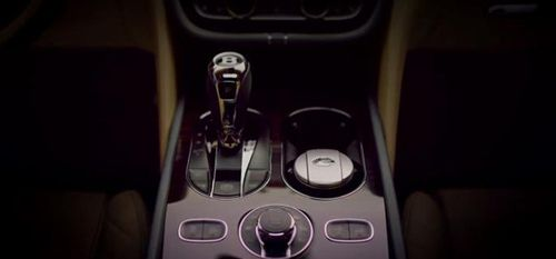 Bentley показала салон своего кроссовера Bentayga