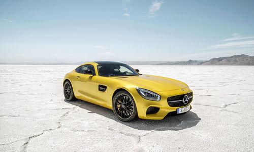 stunning-yellow-2015-mercedes-amg-gt-car-wallpaper