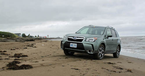 2016-Subaru-Forester-review-beach