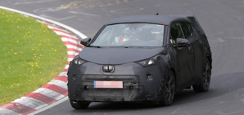 1442909739_nissan_juke_rival_from_toyota_spied_testing_on_the_nurburgring_for_the_first_time_photo_gallery_1