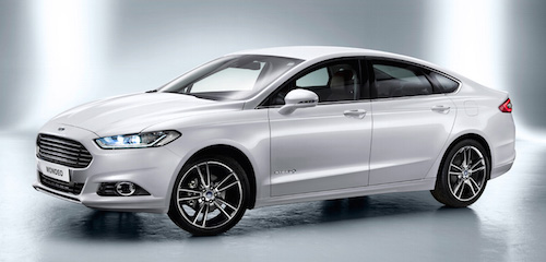 Ford-Mondeo-sedan-front-three-quarter