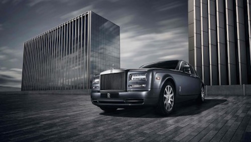 Rolls-Royce-Phantom-front-three-quarters-440x250