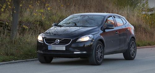 Volvo вывела на тестовые испытания новый XC40