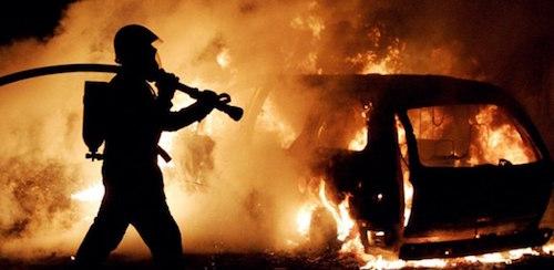 В Москве на Каширском шоссе сгорели три автомобиля