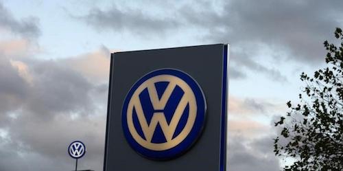 Продажи Volkswagen в России в 2015 году снизились на 37%