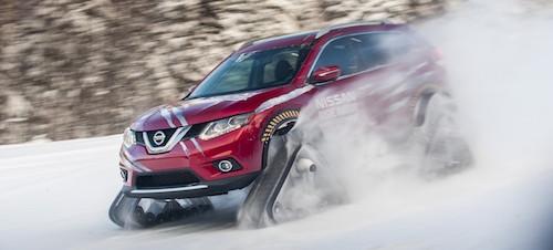 Кроссовер Nissan X-Trail обули в гусеницы