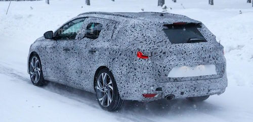 renault-megane-estate-spy-photo (2)