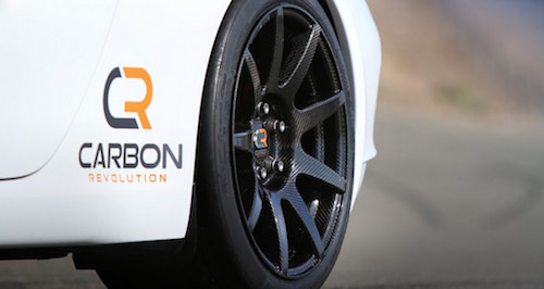 porsche-911-with-carbon-revolution-cr-9-carbon-fiber-wheels_100414104_l