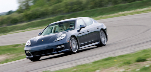 Новое поколение Porsche Panamera представят в конце июня