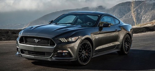 2017-Ford-Mustang-black-color-front-view-grille