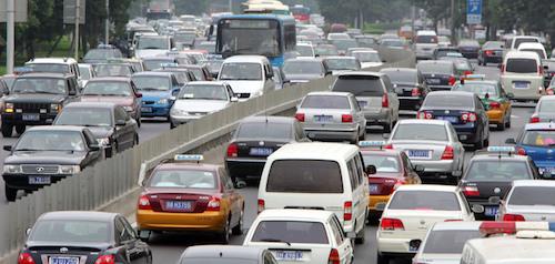 Более половины всех автомобилей в мире продается в трех странах