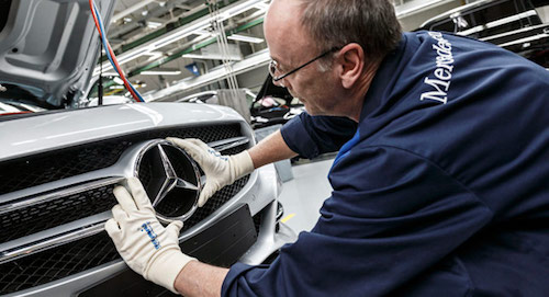 Mercedes-Benz-C-Class-assembly-0