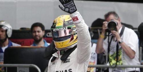 Льюис Хэмильтон выиграл Гран При Бразилии, Росберг – второй, Ферстаппен – третий