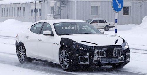 Улучшенный автомобиль Мазерати Ghibli 2018 уже появился нашпионских снимках