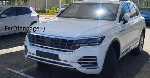 Новый VW Tuareg сфотографировали без камуфляжной защиты