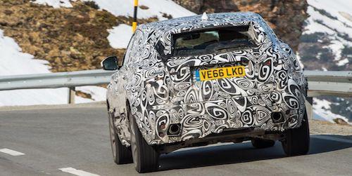 Новый небольшой вседорожный автомобиль Ягуар E-Pace заметили натестах
