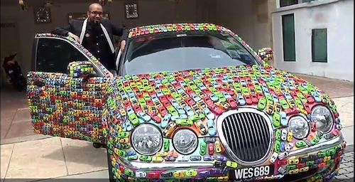 Руководитель инвестфонда украсил собственный автомобиль 5 тыс. игрушечными машинками