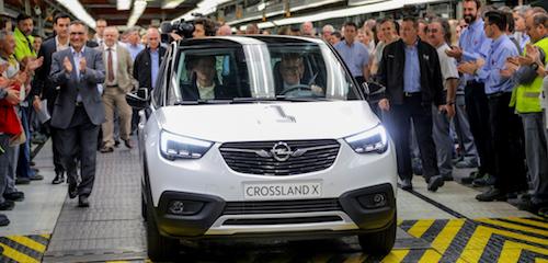 Новый кроссовер Opel Crossland X начали выпускать в Испании