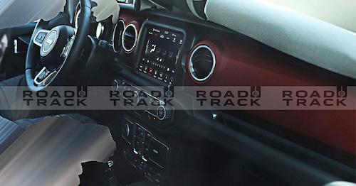 Вweb-сети интернет появились шпионские фото нового Jeep Wrangler