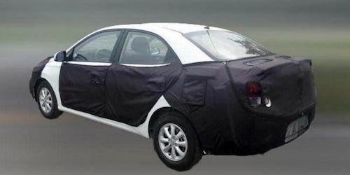 Хюндай  начал дорожные испытания  нового самого недорогого  седана влинейке