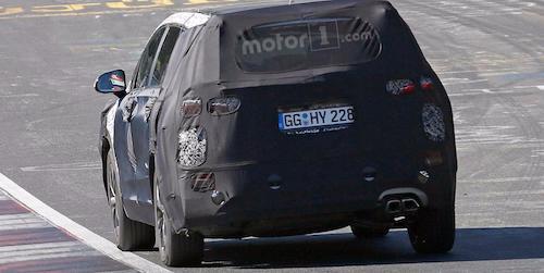 Hyundai тестирует новое поколение Santa Fe на Нюрбургринге