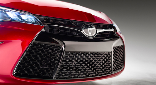 ВЯпонии начались продажи новейшей  Тойота  Camry