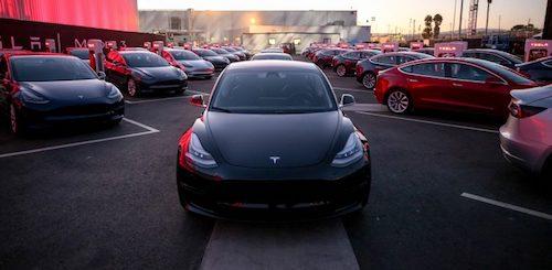 Tesla представила электрокар Model 3 и назвала его цены
