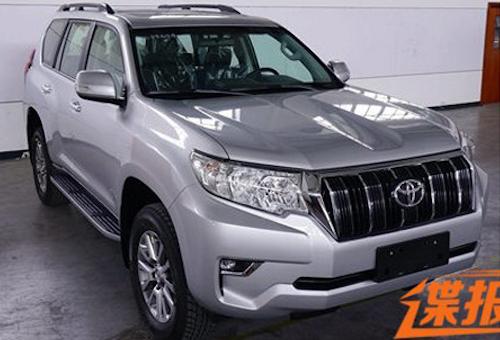 01cd7c6a8317 Компания Toyota рассекретила цены на обновленную версию своего внедорожника Land  Cruiser Prado 2018 для Японии. Стоимость базовой комплектации нового « ...