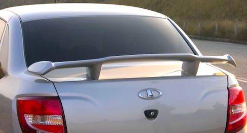 Специалисты назвали 5 самых бесполезных автомобильных аксессуаров