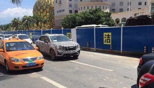 Всети появились шпионские снимки нового кросс-купе Bisu BT7 class=