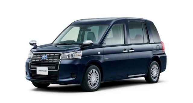 Тойота представила новый тип японского такси