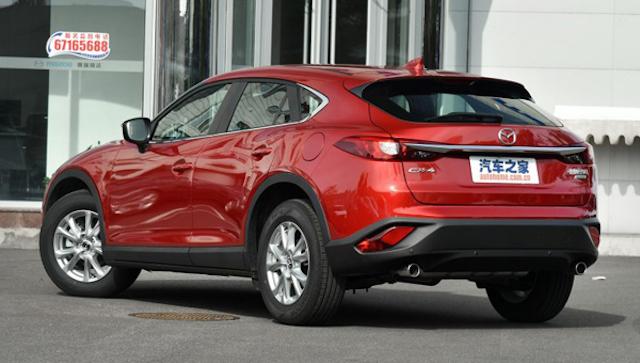 Обновленный купе-кроссовер Mazda CX-4 добрался до дилеров