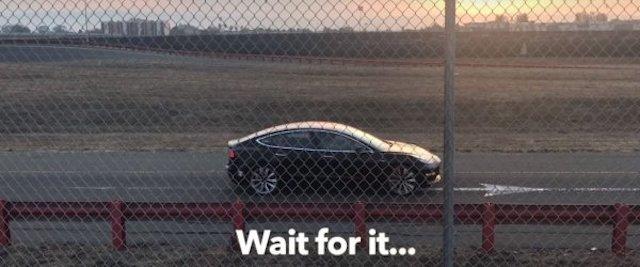 «Заряженную» Tesla Model 3 засняли на видео