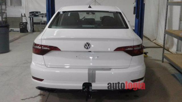 Размещены шпионские фото VW Jetta 2019