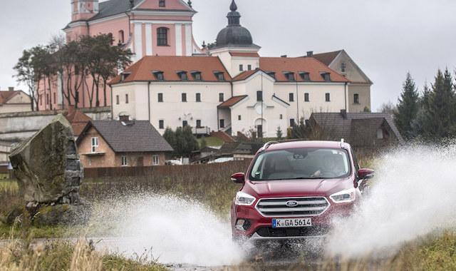 Ford: Российские водители боятся призраков почти также, как ГИБДД