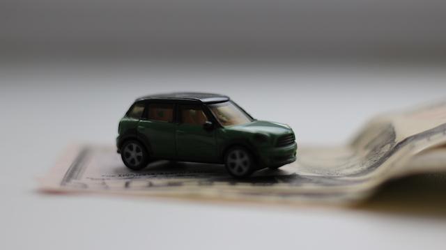 Замесяц 22 компании изменили цены наавтомобили вРоссии