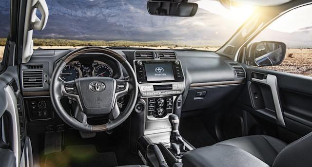 Тойота начала прием заказов на улучшенный Land Cruiser Prado в РФ