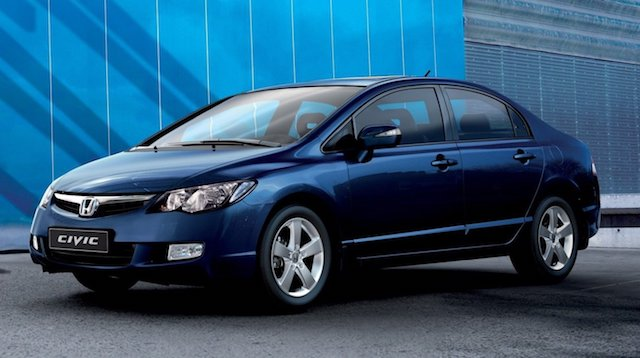 Автоспециалисты назвали три наилучших автомобиля спробегом стоимостью 500 тыс. руб.