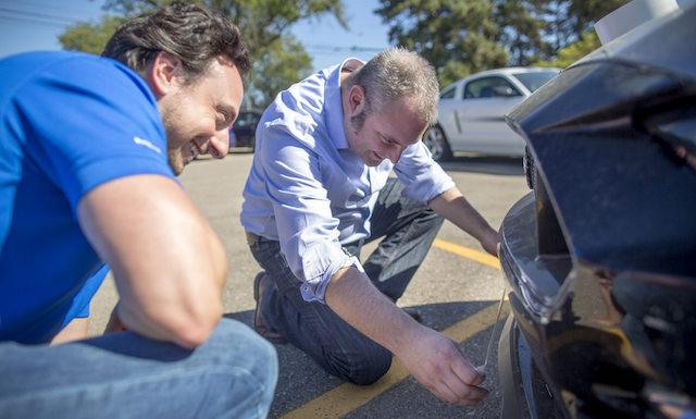 Создатели улучшили аэродинамику Форд Mustang 2018 спомощью изоленты