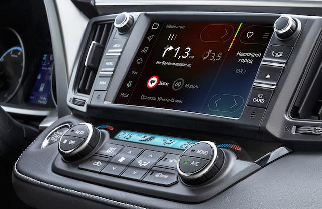 Тойота начала продажи Camry иRAV4 с«Яндекс.Авто» иинтернетом