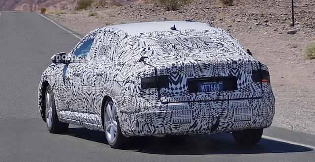 Опубликованы первые шпионские фото нового Volkswagen Jetta GLI
