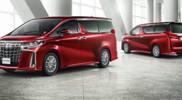Обновлённый Toyota Alphard получил агрессивный дизайн