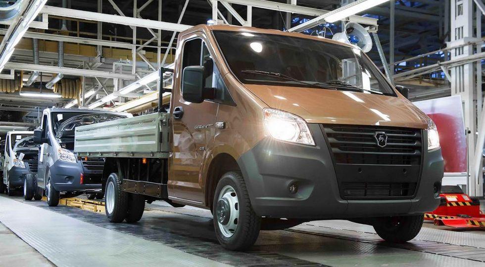 На конвейер встали две новых модели Группы ГАЗ