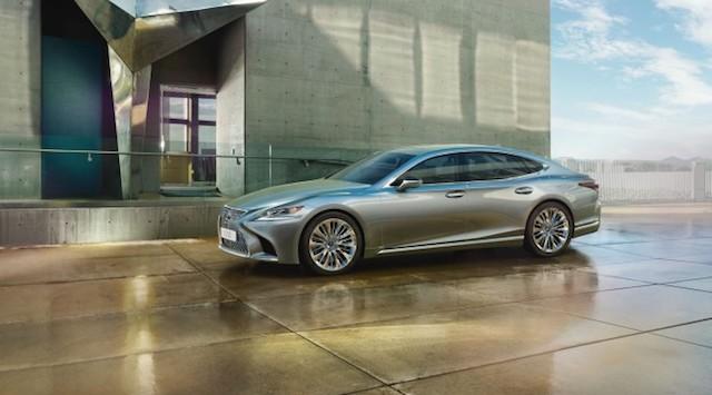 Объявлены рублевые цены на новое поколение седана Lexus LS