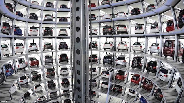 Жители России  потратили наавтомобили полтора триллиона руб.
